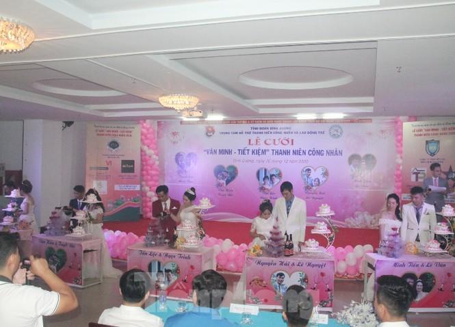 Bình Dương tổ chức đám cưới tập thể cho công nhân có hoàn cảnh khó khăn - ảnh 5