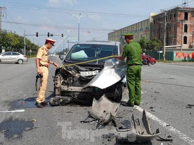 Tai nạn kinh hoàng giữa 3 ô tô trong KCN ở Bình Dương - ảnh 2