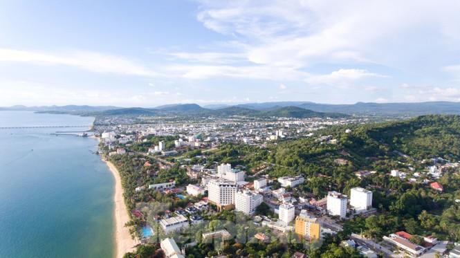 Chủ tịch UBND huyện Phú Quốc: Sẽ tổ chức lại bộ máy chính quyền đô thị  - ảnh 4
