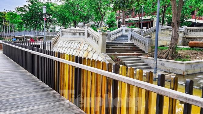 Nhìn gần cầu gỗ lim siêu sang xứ Huế sau vượt lũ báo động 3 - ảnh 7
