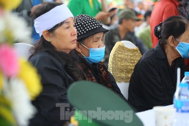 Ngày lễ 20/10 đầy nước mắt của mẹ và vợ Thiếu tướng Hùng - ảnh 1