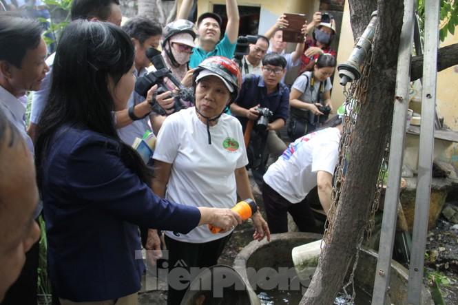 Bộ trưởng Bộ Y tế kiểm tra tình hình sốt xuất huyết tại Đà Nẵng - ảnh 2