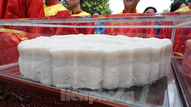 Rộn ràng lễ rước cặp bánh Trung thu truyền thống lớn nhất Việt Nam tại Hà Nội - ảnh 4