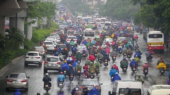 Mưa lớn, nhiều tuyến đường Hà Nội ùn ứ - ảnh 9