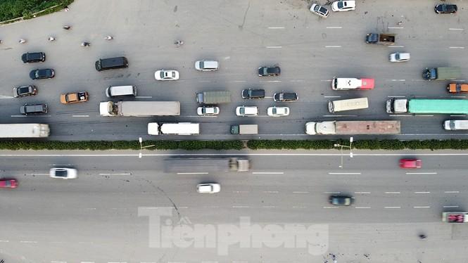 Giao thông nhiều cửa ngõ Thủ đô thông thoáng ngày cuối kỳ nghỉ lễ 30/4 - ảnh 7