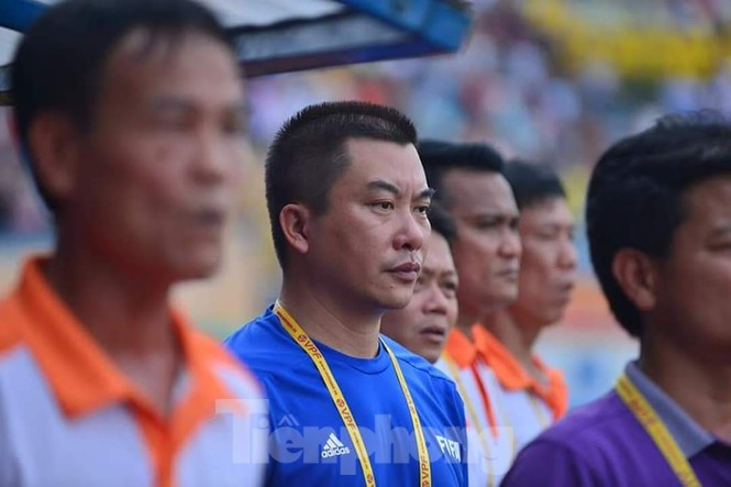 Lãnh đạo đội bóng Nam Định xin lỗi nạn nhân, CĐV cả nước về sự cố pháo sáng - ảnh 6