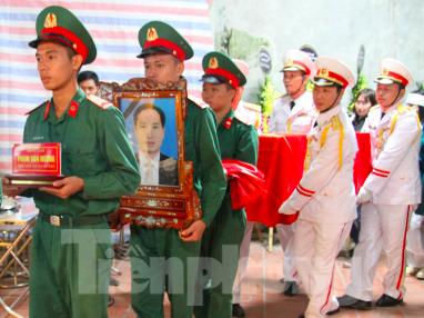 Quê mẹ Thái Bình đón Liệt sỹ, nhà báo Phạm Văn Hướng hi sinh ở Rào Trăng - ảnh 3