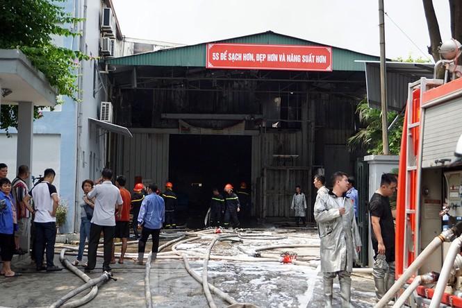 Tan hoang khu xưởng 1000m2 bị cháy cạnh Aeon Long Biên - ảnh 17