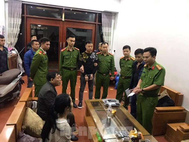 Khởi tố vụ vận chuyển trên 30 tấn chân giò lợn sang Trung Quốc - ảnh 1