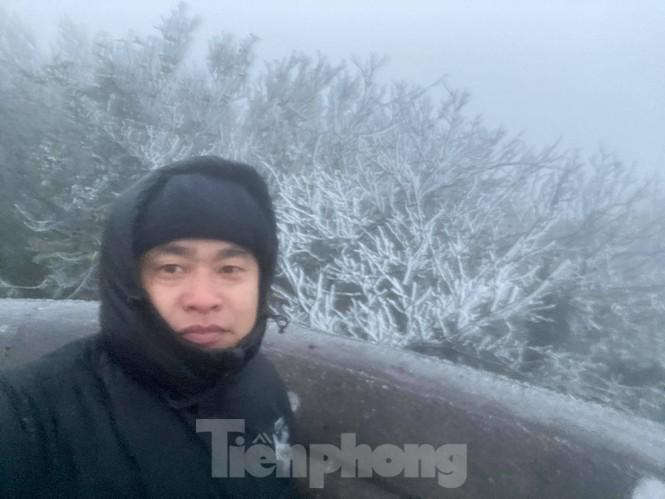 Băng tuyết xuất hiện trên đỉnh Mẫu Sơn  - ảnh 7