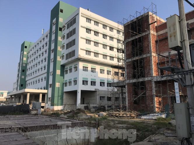 Dự án bệnh viện nghìn tỷ chậm tiến độ: Sở Xây dựng Nghệ An bức xúc báo cáo của bệnh viện - ảnh 2