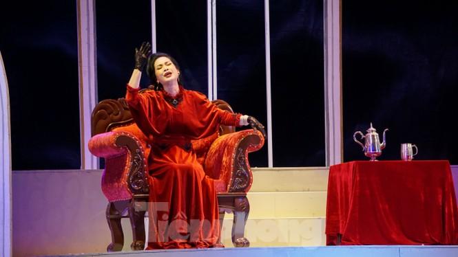 NSND Lan Hương tái xuất mẹ chồng ác nghiệt trong 'Người mẹ trước vành móng ngựa' - ảnh 1