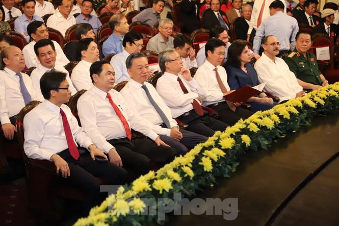 Toàn cảnh lễ trao giải tác phẩm học tập Chủ tịch Hồ Chí Minh - ảnh 2