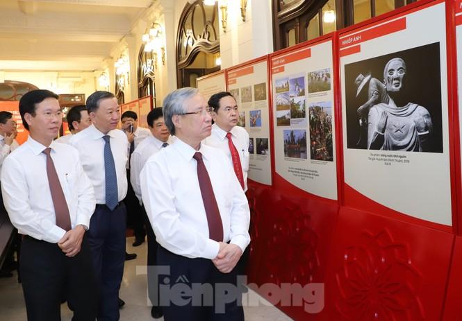 Toàn cảnh lễ trao giải tác phẩm học tập Chủ tịch Hồ Chí Minh - ảnh 1