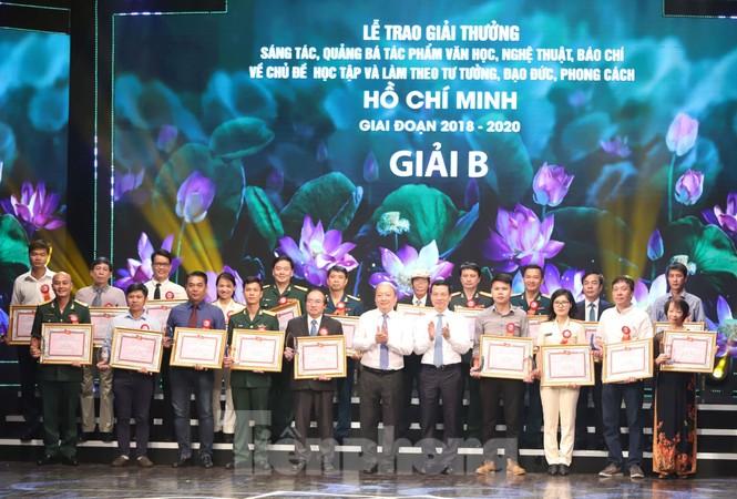 Toàn cảnh lễ trao giải tác phẩm học tập Chủ tịch Hồ Chí Minh - ảnh 6
