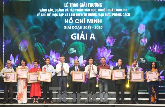 Toàn cảnh lễ trao giải tác phẩm học tập Chủ tịch Hồ Chí Minh - ảnh 5