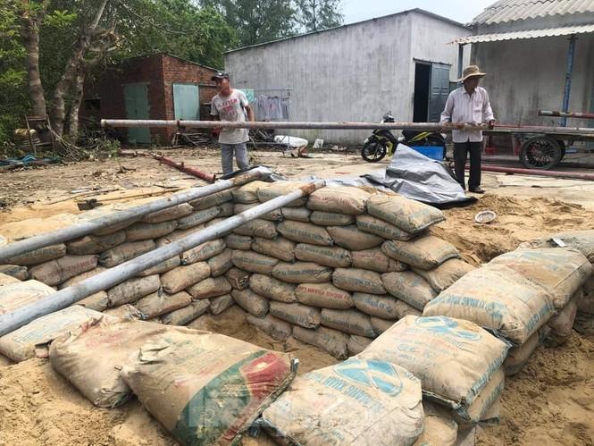 Từ 20 giờ tối nay, Đà Nẵng yêu cầu người dân không ra khỏi nhà để tránh bão số 9 - ảnh 36