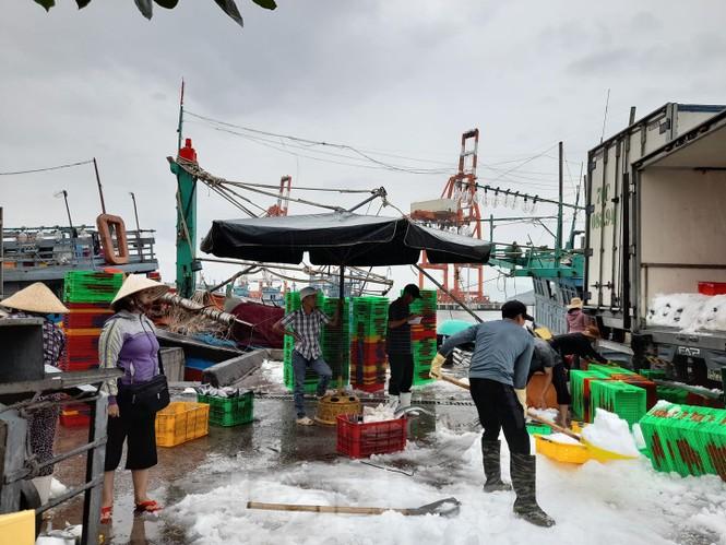 Từ 20 giờ tối nay, Đà Nẵng yêu cầu người dân không ra khỏi nhà để tránh bão số 9 - ảnh 9