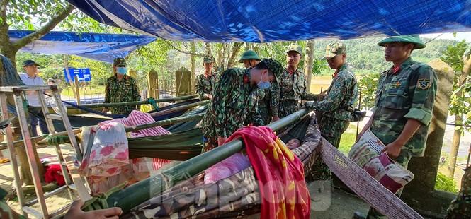 Người mẹ ôm con thoát nạn vụ sạt lở ở Quảng Nam - ảnh 6