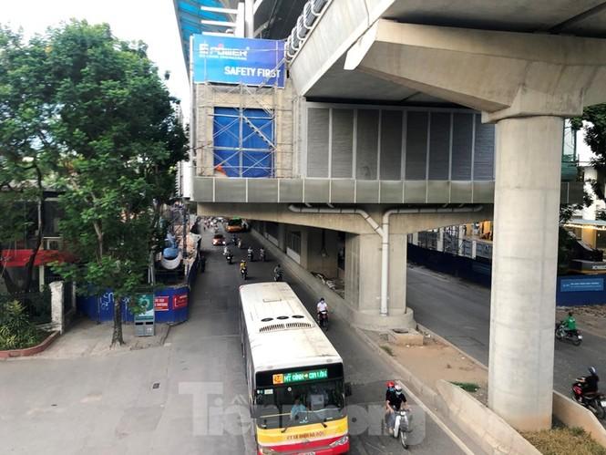 Cận cảnh đoạn metro Hà Nội vừa bị đòi bồi thường 19 triệu USD - ảnh 7