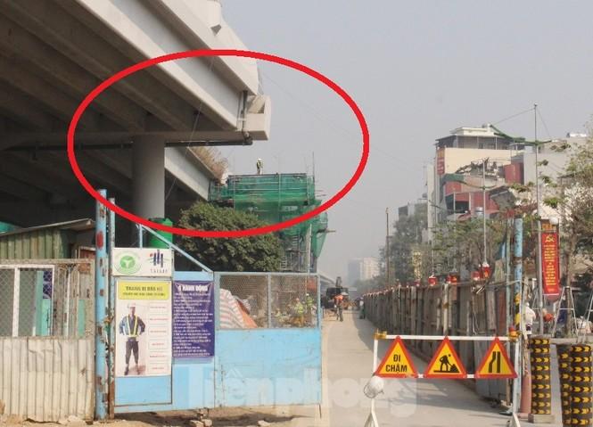 Ngổn ngang công trường đường lên xuống Vành đai 3 trên cao - ảnh 9