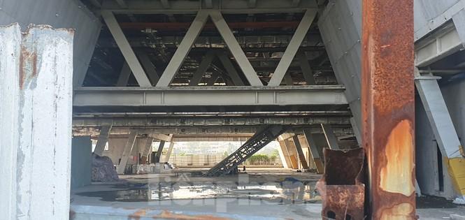 Cận cảnh tòa nhà triển lãm 800 tỷ xây dựng dang dở ở Thủ Thiêm - ảnh 5