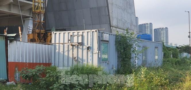 Cận cảnh tòa nhà triển lãm 800 tỷ xây dựng dang dở ở Thủ Thiêm - ảnh 10
