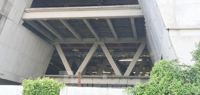 Cận cảnh tòa nhà triển lãm 800 tỷ xây dựng dang dở ở Thủ Thiêm - ảnh 9