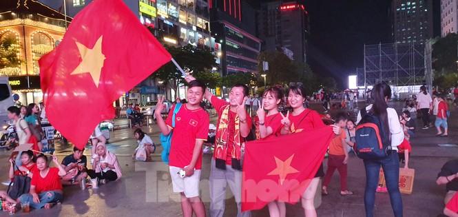 Tối nay phố đi bộ Nguyễn Huệ phát trực tiếp trận Việt Nam - UAE - ảnh 2