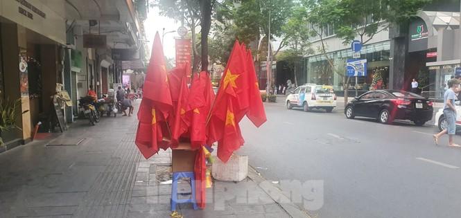 Người Sài Gòn đổ xô ra đường cổ vũ đội bóng đá U22 Việt Nam - ảnh 12