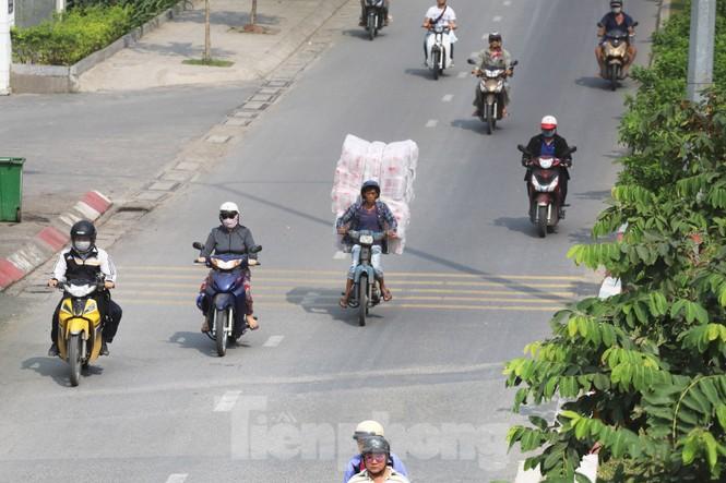 Xe máy 'hết đát' đại náo đường phố Sài Gòn - ảnh 7