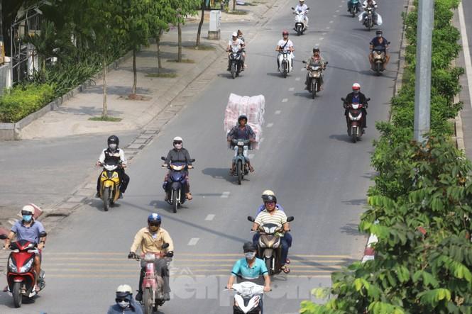Xe máy 'hết đát' đại náo đường phố Sài Gòn - ảnh 15