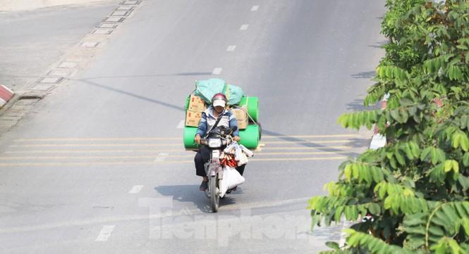 Xe máy 'hết đát' đại náo đường phố Sài Gòn - ảnh 11