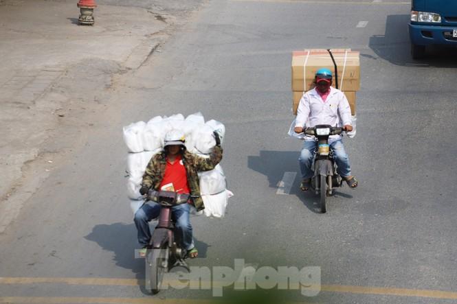 Xe máy 'hết đát' đại náo đường phố Sài Gòn - ảnh 13