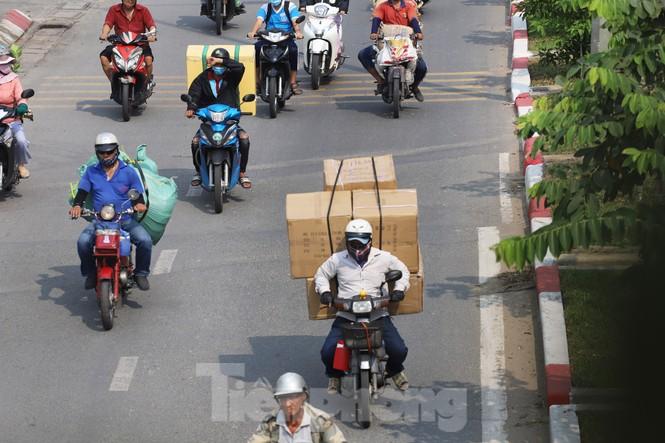 Xe máy 'hết đát' đại náo đường phố Sài Gòn - ảnh 14