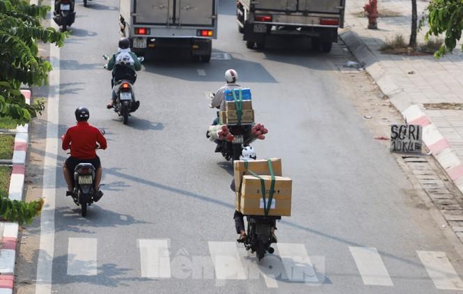 Xe máy 'hết đát' đại náo đường phố Sài Gòn - ảnh 17