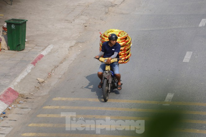 Xe máy 'hết đát' đại náo đường phố Sài Gòn - ảnh 12