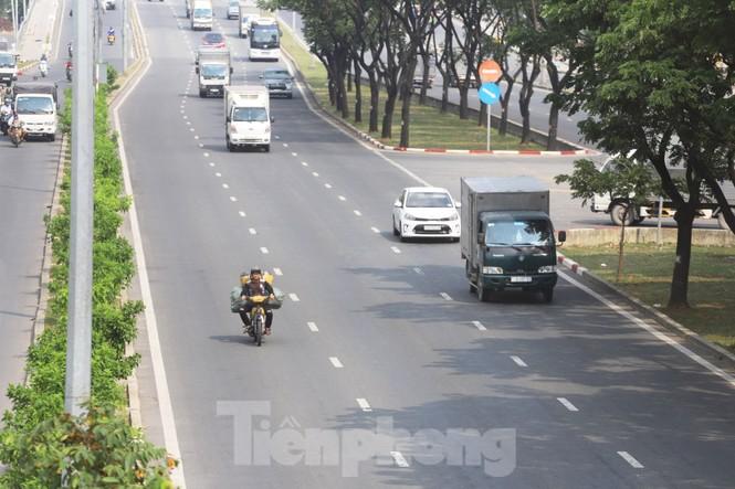 Xe máy 'hết đát' đại náo đường phố Sài Gòn - ảnh 10