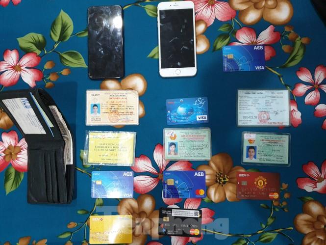 Triệt phá đường dây mua bán phần mềm nghe lén điện thoại di động - ảnh 3