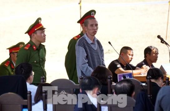 Các bị cáo đồng loạt 'chỉ điểm' kẻ chủ mưu, Bùi Văn Công 'phản cung' - ảnh 2