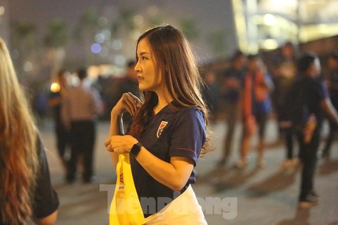 Bóng hồng Việt Nam và Thái Lan 'đọ sắc' trước đại chiến Mỹ Đình - ảnh 11
