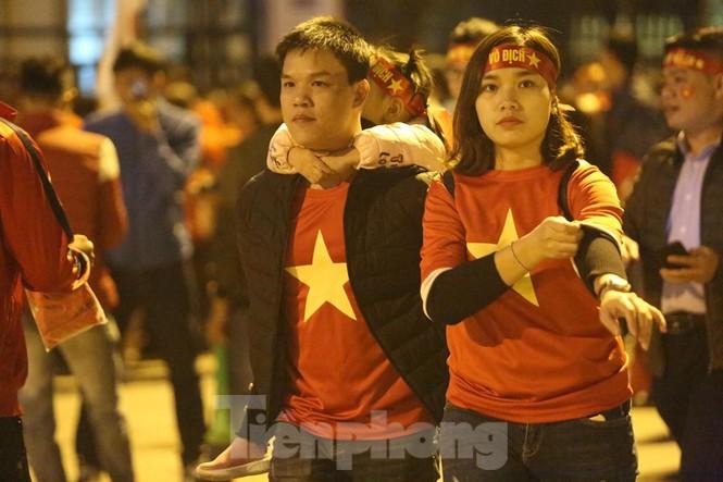 'Tôn Ngộ Không' đến cổ vũ đội tuyển Việt Nam - ảnh 8