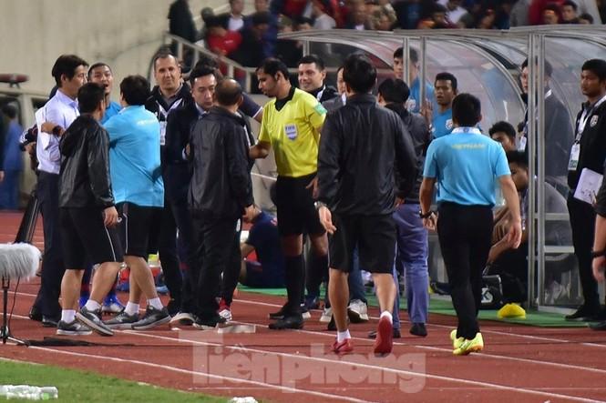 HLV Park Hang Seo nổi cơn tam bành vì đòn tâm lý của đối phương - ảnh 4