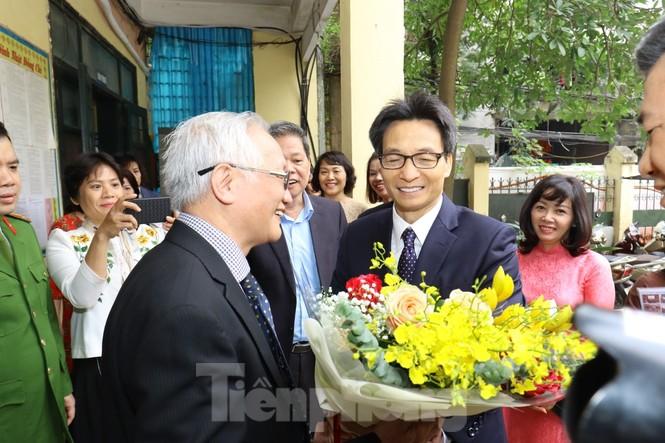 Phó Thủ tướng dự lễ kỷ niệm 20/11 tại ngôi trường 'không chọn lọc đầu vào' - ảnh 1