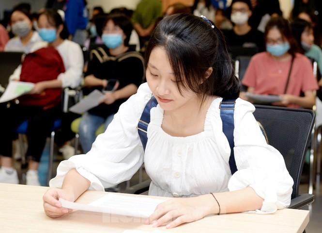 Thí sinh tấp nập về các trường Đại học xác nhận nhập học - ảnh 3