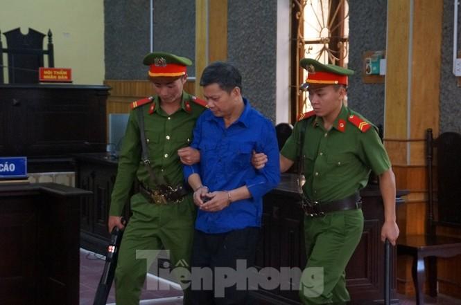 Xử gian lận thi ở Sơn La: Không giao việc, triệu tập 27 nhân chứng quan trọng - ảnh 1