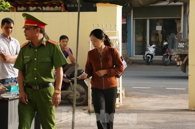 Xử gian lận thi ở Sơn La: Không giao việc, triệu tập 27 nhân chứng quan trọng - ảnh 4