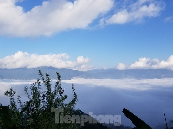 Cùng biên phòng Ka Lăng tuần tra nơi sông Đà chảy vào đất Việt - ảnh 1