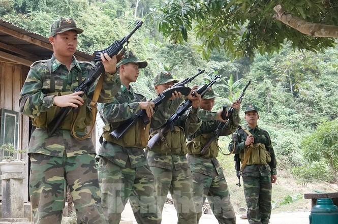 Cùng biên phòng Ka Lăng tuần tra nơi sông Đà chảy vào đất Việt - ảnh 3