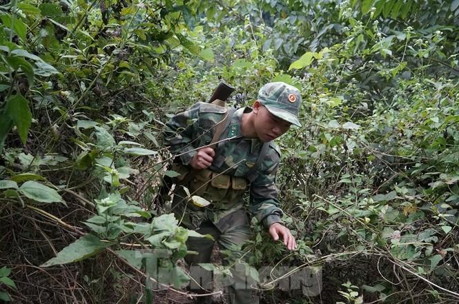 Cùng biên phòng Ka Lăng tuần tra nơi sông Đà chảy vào đất Việt - ảnh 8